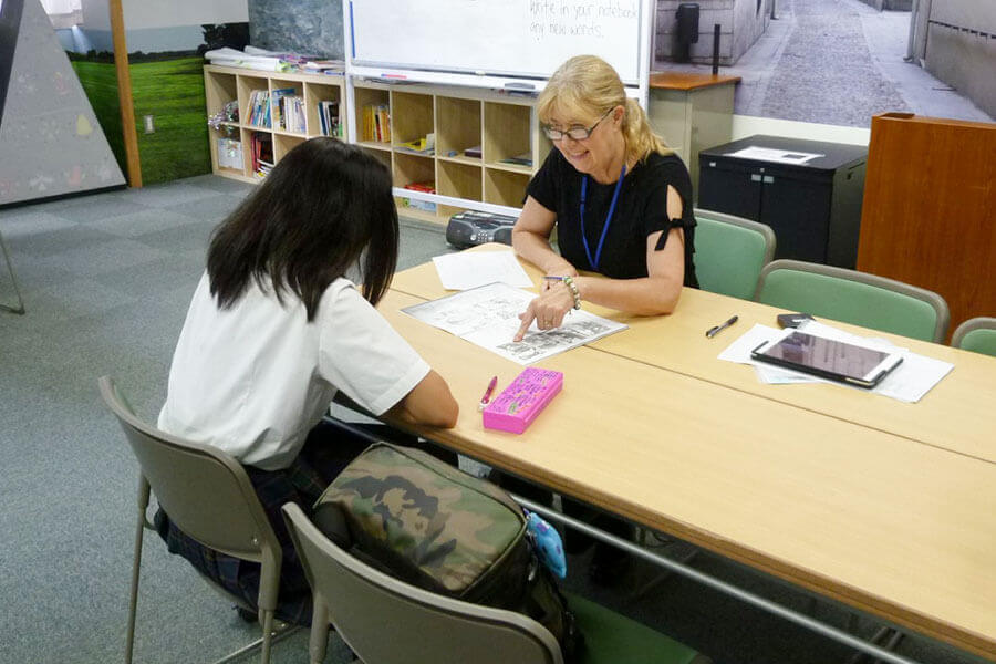 校内英会話教室でさらにレベルアップ