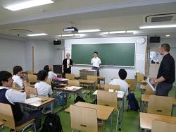 校内英会話教室Olive Juniorが始まりました