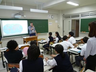 1年生で英語の取り出しクラスが始まりました